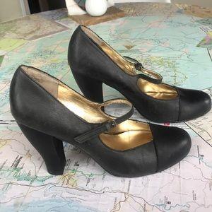 Seychelles leather heels size 9